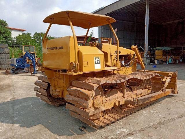 รถแทรคเตอร์ CAT รุ่น D4E