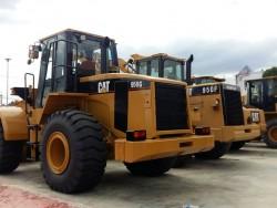 สนใจรถตักล้อยาง ยี่ห้อ CAT รุ่น 950G ติดต่อ คุณชลิฎา 081-792-0337
