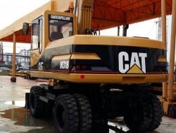 สนใจรถขุดล้อยาง CAT รุ่น M318 ติดต่อ คุณชลิฎา 081-792-0337