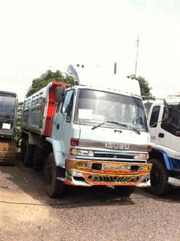 ขายรถ10ล้อ 2เพลาดั้ม นางฟ้า ISUZU ROCKY 240 เดิมแท้ๆ