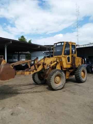ขายรถตักล้อยาง CAT 920 ต่อแขนแล้ว เก๋ง-แอร์ พร้อม เครื่อง-เกียร์ดี ติดต่อ คุณวัลลพ 081-7555888