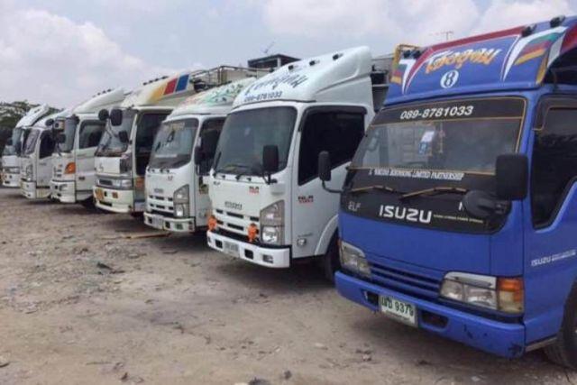 รถรับจ้างสี่ล้อใหญ่ รับย้ายบ้าน สำนักงาน พร้อมทีมงาน