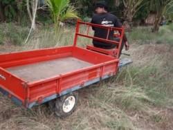สนใจ รถบรรทุก ล้อยาง ไว้ใช้ในสวน ในไร่ แวะชมได้ที่ tractor-backhoe นะครับ คันนี้ 32,000 บาท พร้อมใช้
