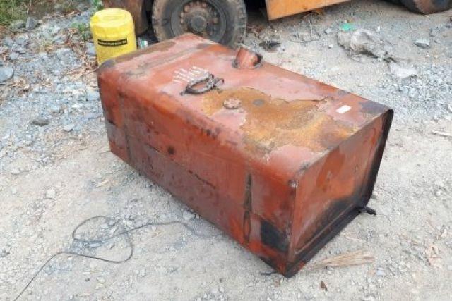 ขาย ถังน้ำมัน ขนาด 320 ลิตร ติดรถบรรทุก อเนกประสงค์ ไม่มีฝามา เก่าญี่ปุ่นแท้