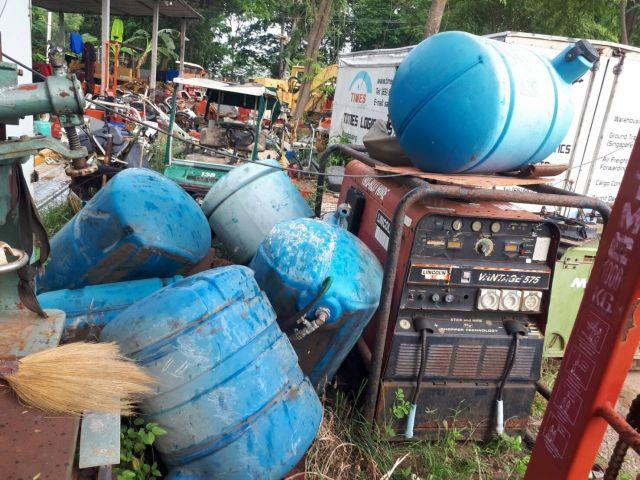 ขาย ถังน้ำ แท๊งก์น้ำ เก่าญี่ปุ่น สำหรับรถโม่ปูน 200 ลิตร จำนวนมาก ใบละ 4800