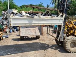 ขาย กระบะเหล็ก ลอน สำหรับรถบรรทุก 4 ล้อกลาง พื้นลอย เก่าญี่ปุ่น ขนาด 160x250x30 cm = 17,000 บาท