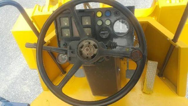 ขายถูก....รถตักล้อยาง KOMATSU WA100-1 เก่านอก