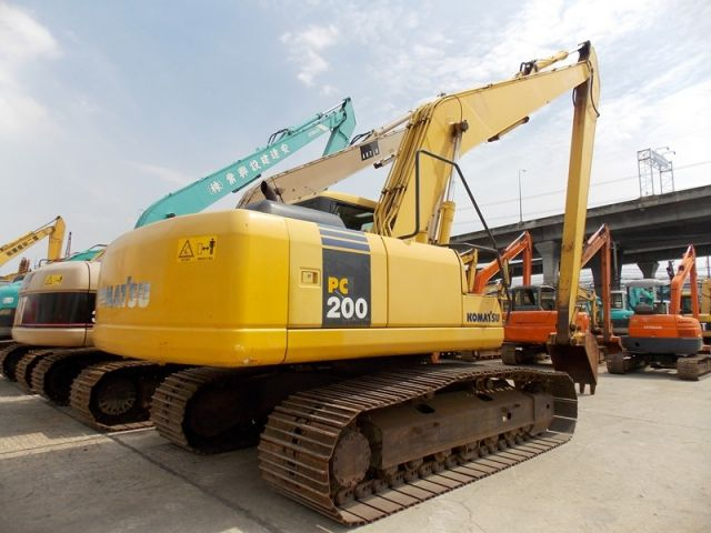 ขายรถแมคโค KOMATSU PC200-7-203948 บูมยาว