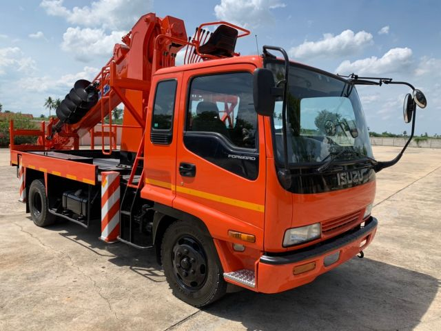 ขายรถเครนสว่าน ISUZU AICHI D706A นำเข้าจากญี่ปุ่นแท้