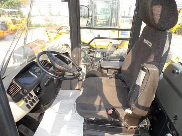 ขายรถตักล้อยาง KOMATSU WA320-7 นำเข้าจากญี่ปุ่นแท้ สภาพสวยจัด